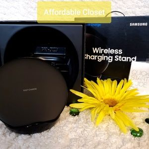 Other - •Samsung Wireless Charger NIB•